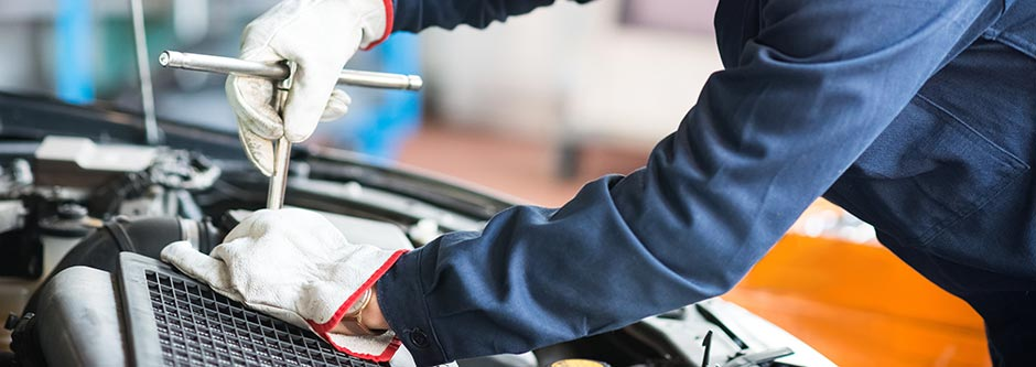 Mechanic car servicing crewe
